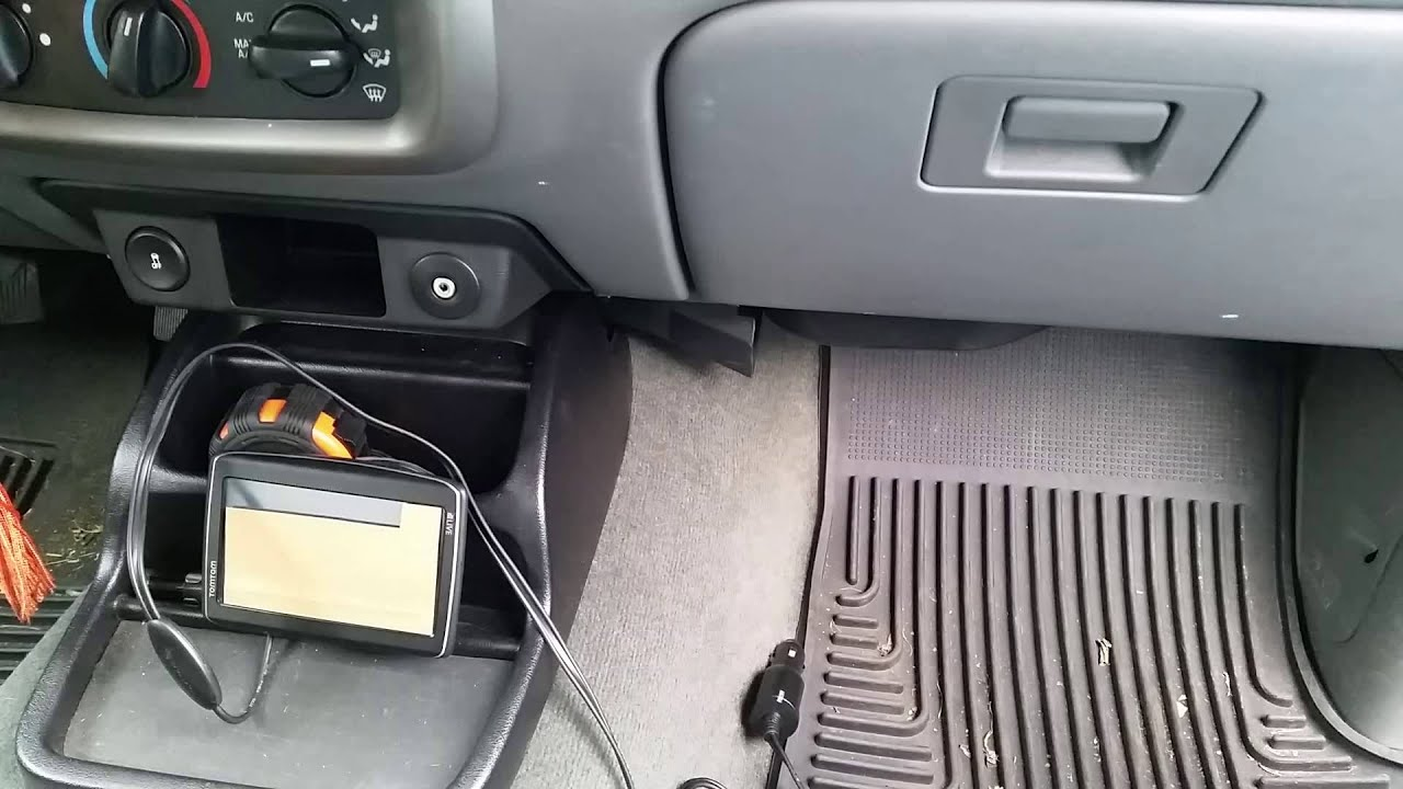 Installing An Ignition Switched Power Outlet In Vehicle For Gps With Addacircuit Add A Circuit Fuse Tap Youtube