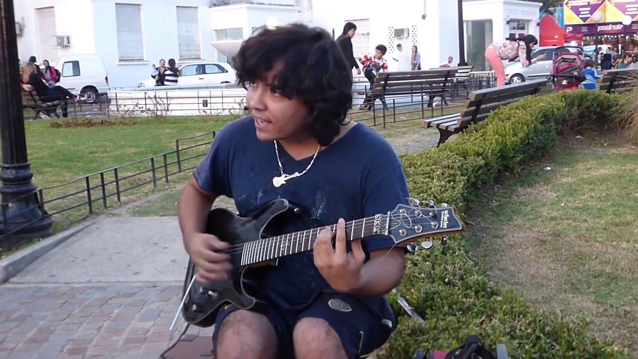 Sultans of swing - cover en una plaza
