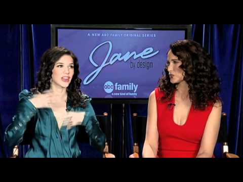 Erica Dasher and Andie MacDowell from
