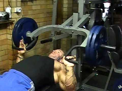 Lee Priest Flat Bench Press On Powertec Multi System Youtube