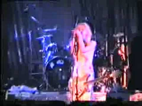 Hole - Yes She is my Skinhead Girl (unrest cover) - live Berlin 1995