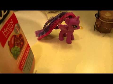 How to clean a pony's hair