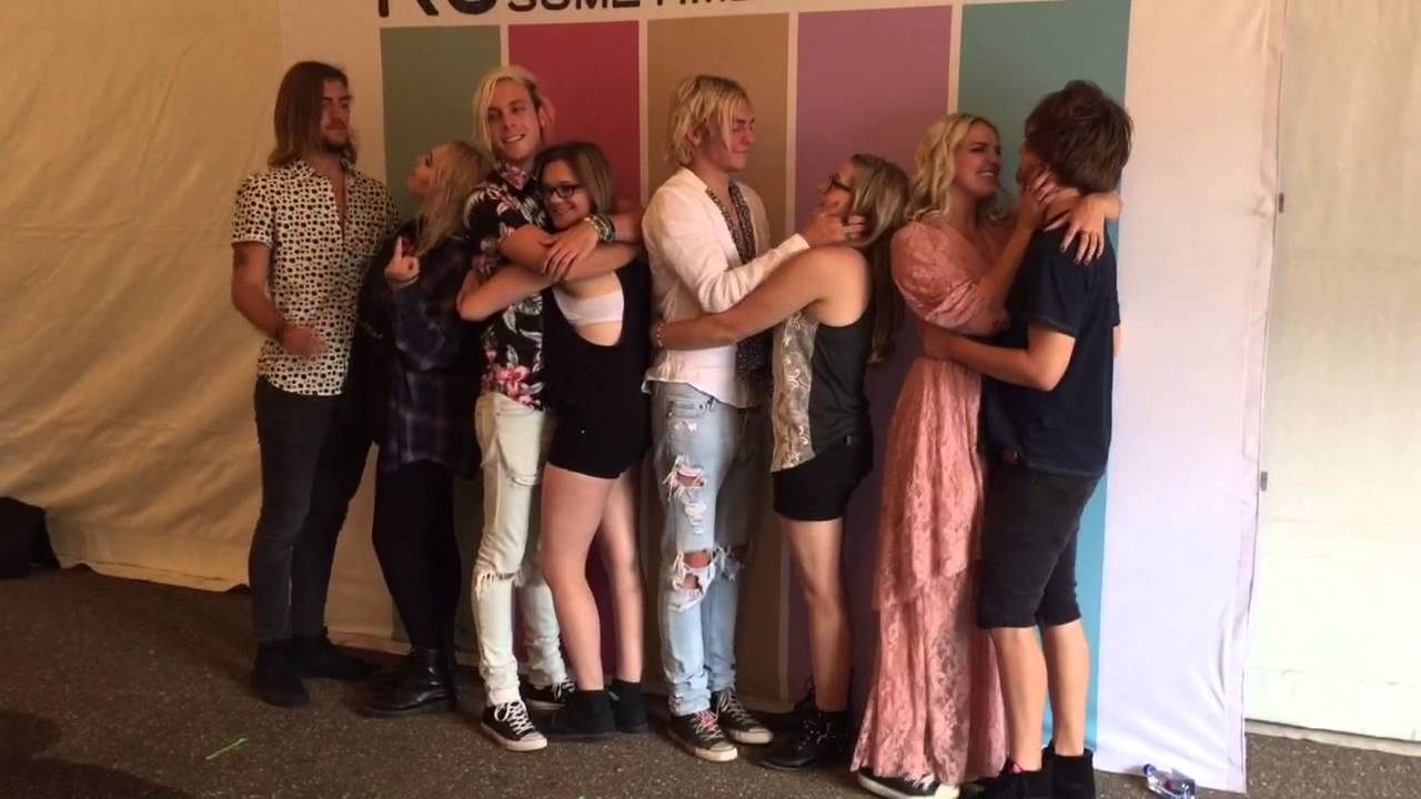 r5 meet and greet pictures 2014