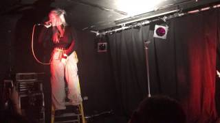 Gambar cover Bored LIVE - Billie Eilish London (10/07/17)