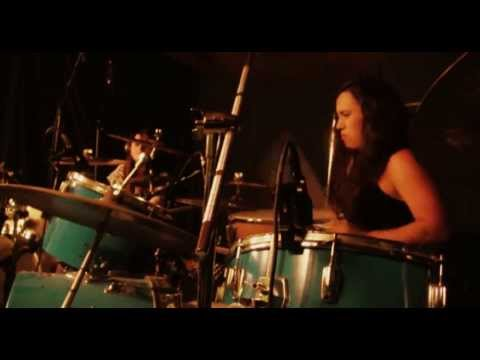 """Val & Fer - """"Made in Chile"""" female drummers duet"""