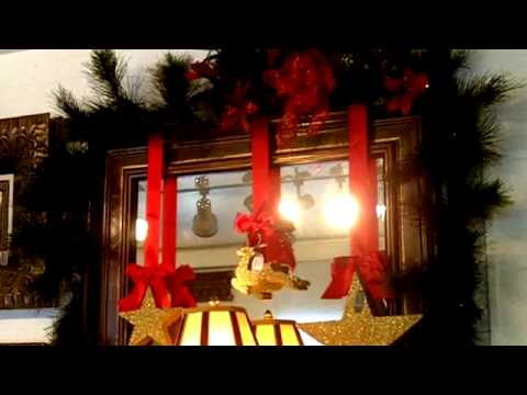interior designer christmas decorating tips for mirrors and bath - Designer Christmas Decorations