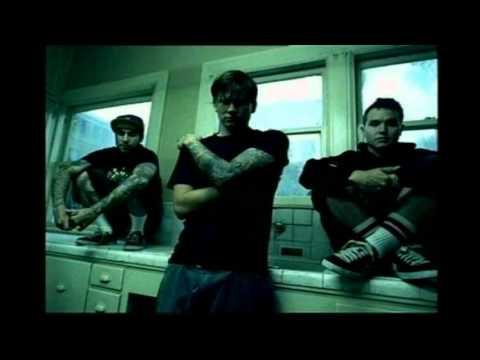 blink-182---story-of-a-lonely-guy-(lyrics)