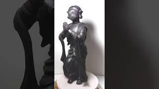 草木染めの木彫り「みずら髪を結った神像」