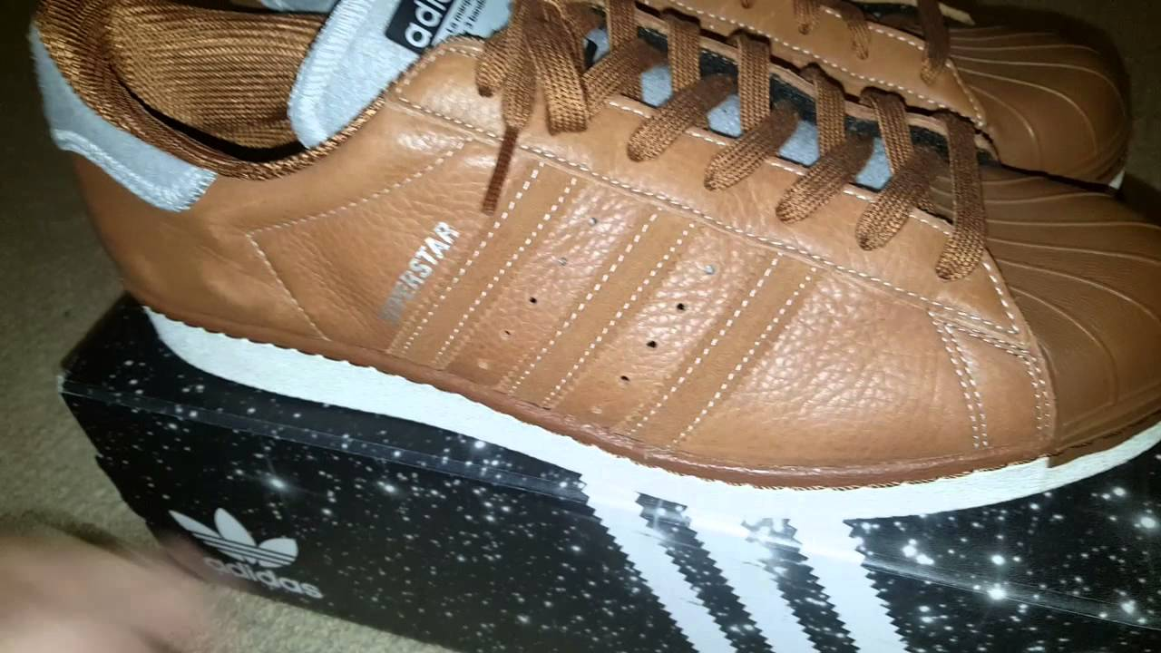 half off 61abf 10200 Adidas Superstar Varsity Pack Brown  PerchOriginals - YouTube
