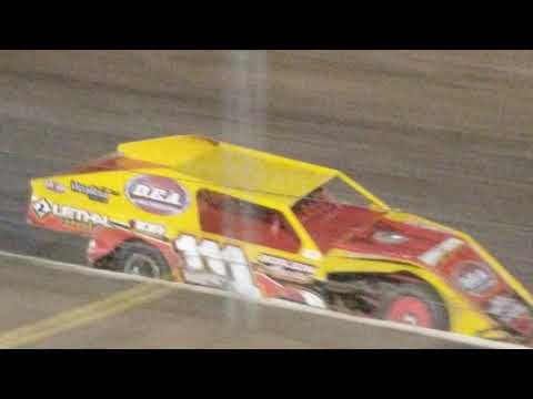 Heres the modifieds race at the Bakersfield speedway please subscribe
