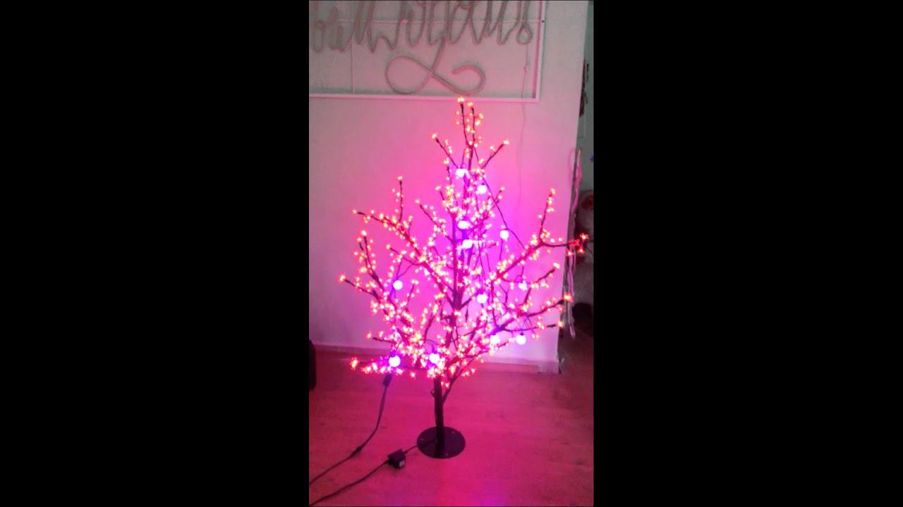 Предлагаем купить светодиодные деревья в москве. Большой выбор led деревьев по доступным ценам.