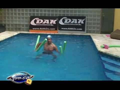Ejercicios para brazos abdominales y piernas con flota flota en el agua - Hidrofit