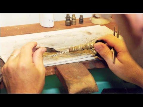 Clique e veja o vídeo Curso de Ourives - Fabricação e Reparo de Jóias