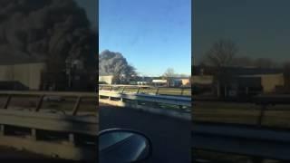 Brand in Waalwijk van afstand te zien (video: Martijn Govers, WhatsApp)