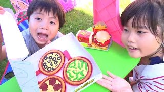 ハンバーガー屋さんごっこ ピザもテイクアウトできるよ♫ お買い物 こうくんねみちゃん Hamburger Shop pizza thumbnail