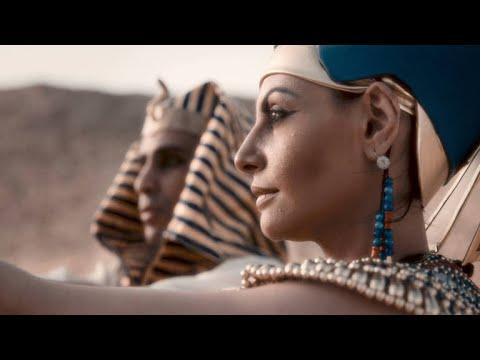 How Akhenaten Demolished Centuries of Egyptian Tradition