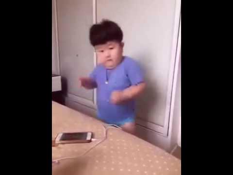 Un petit gar on qui danse ils dansent japonais youtube - Petite souris qui danse ...