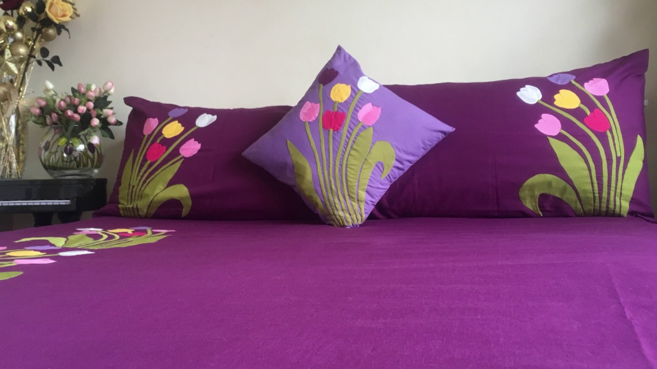 Applique aplic work design: hand made bed sheet and pillow covers