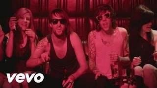 Смотреть клип Breathe Carolina - Blackout