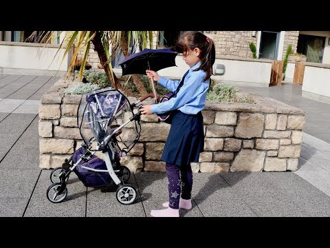 Silver Cross Dolls Pram Unboxing Set Up little girl Baby Sitter Pretend play with Baby Dolls