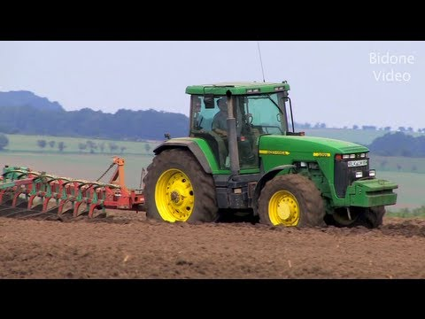 traktor john deere pfl gen und eggen tractor plowing. Black Bedroom Furniture Sets. Home Design Ideas