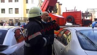 Incendiu pe Bulevardul Iuliu Maniu din Deva. Un apartament a fost cuprins de flăcări