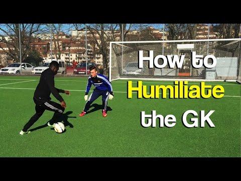 How To Humiliate a Goalkeeper Like Messi, Neymar & Ronaldo! In-Game Skills 2017