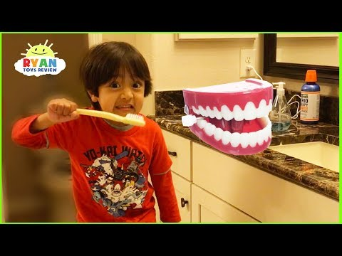 Ryan Pretend Play Learn How to Brush Teeth with Cleaning Toys!!!