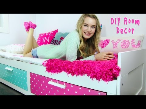 DIY Room Decor! 10 DIY Room Decorating Ideas for Teenagers (DIY Wall Decor, Pillows, etc.)
