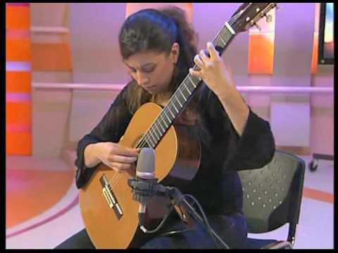 """Gaëlle Solal joue """"Perruques volantes"""" de Roland Dyens"""