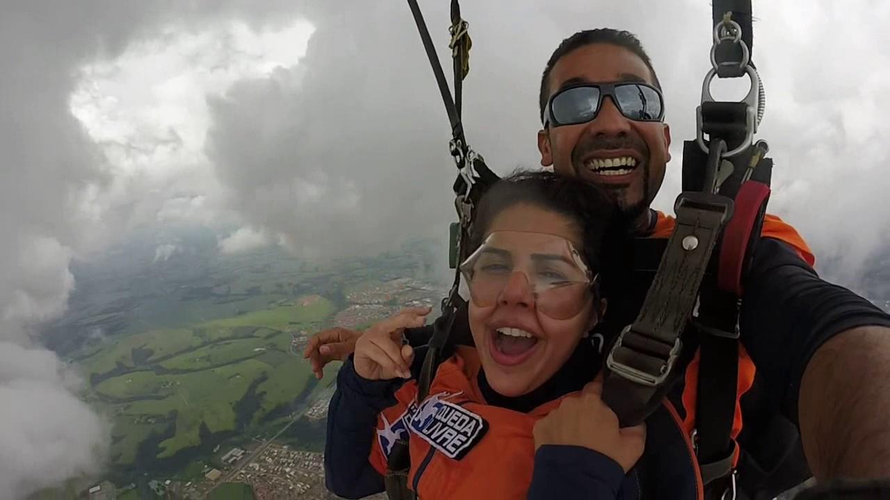 Salto de Paraquedas da Roberta K na Queda Livre Paraquedismo 21 01 2017