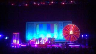 Elvis Costello - Sulky Girl live in Reno 5-7-11