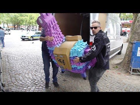 LEBENSGROßES FORTNITE LAMA in Köln sneaken lol