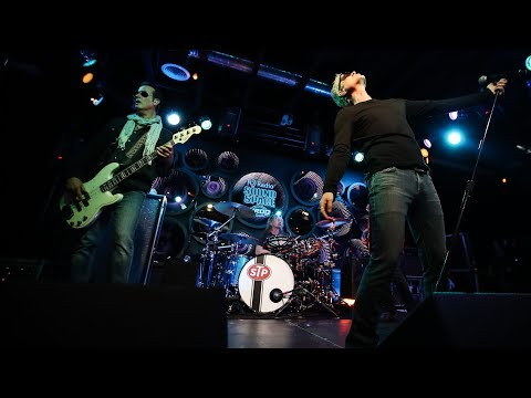 """STONE TEMPLE PILOTS - """"Meadow"""" Live at KROQ"""