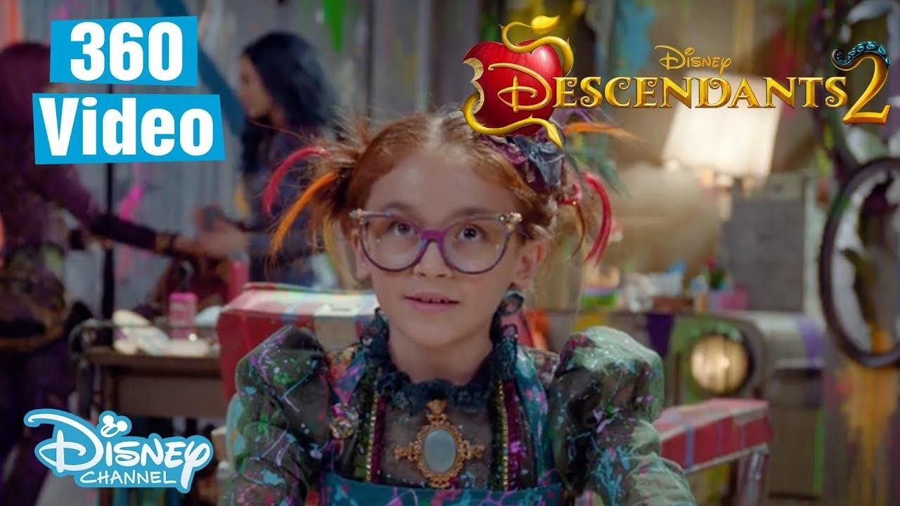Descendants 2 | 360 BTS Dizzy's Salon ft  Mal, Evie & Dizzy 💜 | Official  Disney Channel UK