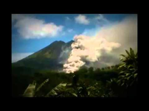 82-MPH - NEWS   P3  Strange and beautiful world. clouds, lights, ufo etc
