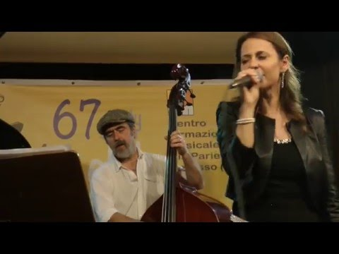Lara Iacovini Quintet -  Social Call