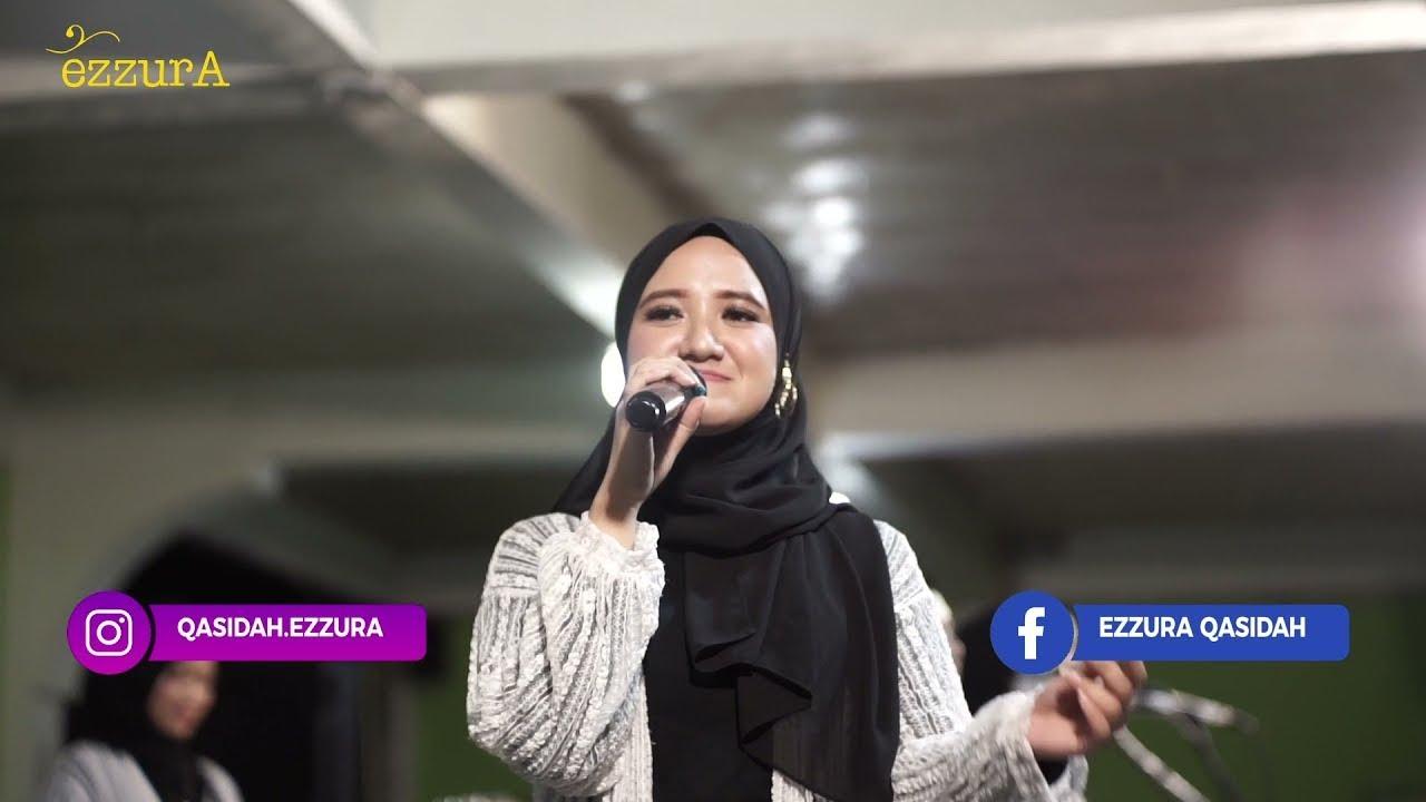 """Makin berliku-liku"" Tantangan anak zaman sekarang pesan EzzurA untuk Para Santri I Live Concert"