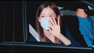 201016 오마이걸 아린 Arin : 뮤직뱅크 MusicBank MC 퇴근 영상. (4K)