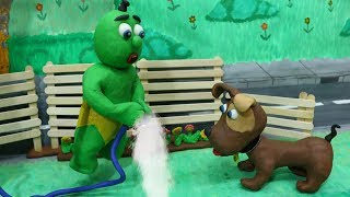 Green Baby: SUPERHERO DOG HELPS HIS OWNER - Stop Motion Clay & Play Doh Cartoons