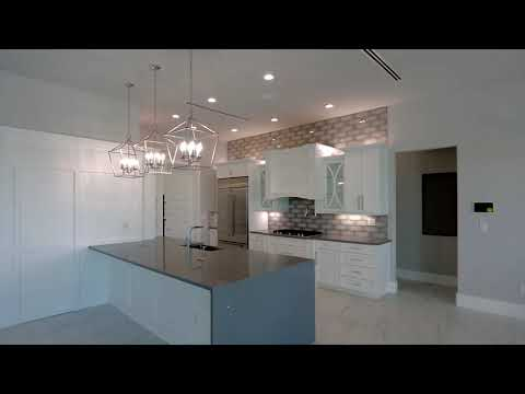 luxury-home-for-sale-in-cape-coral