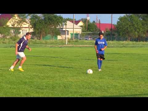 Тренировка футбольной команды Колос