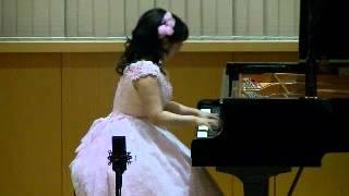 演奏者:小川瞳 茨城県立図書館ホールにて.