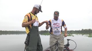 Repeat youtube video 2015 Show 6  - 2014 Championship on Red River - Skeeter Bass Champs w/Fish Fisburne
