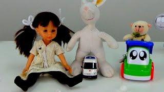 Видео для детей: Грузовичок, Куколка и Игрушки. Английский для детей
