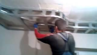 видео гипсокартон на потолок