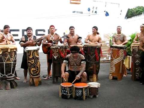 Polynesian group in Papeete