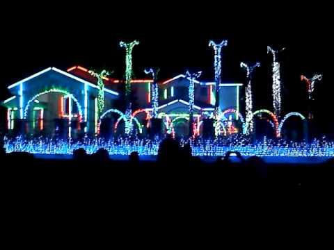 fred loya El Paso Christmas Lights 2013 (avr) - Fred Loya El Paso Christmas Lights 2013 (avr) - YouTube