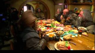 """Bofur from """"The Hobbit"""" falls over laughing"""