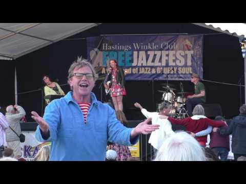 Liane Carrol invites her daughter Abigaile on stage at the hastings jazzfest 2017